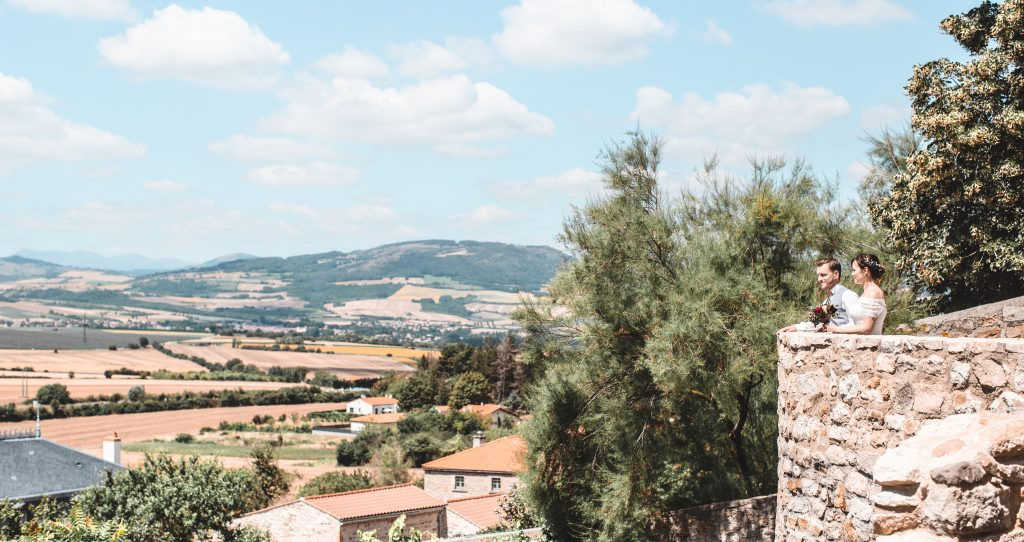 Panorama sur la chaine des volcans d'Auvergne depuis Montpeyroux